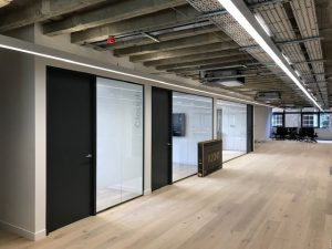 Office Fit Out Refurbishment Contractors West London Contracting Company Momentum City Of London - 1